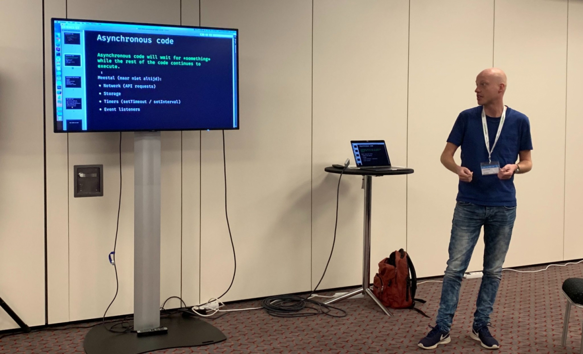 Bart tijdens zijn presentatie op de International JavaScript Conference 2019 in München